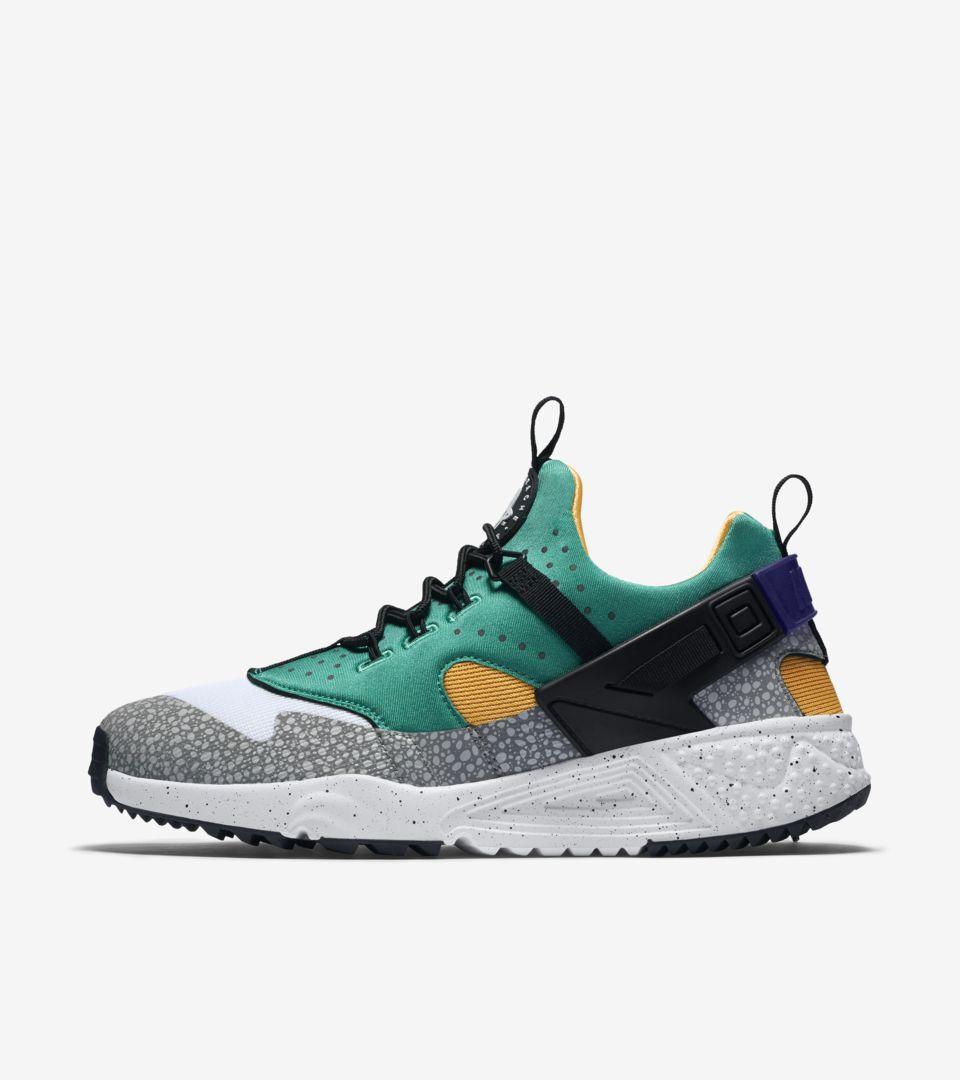 fd41b6483b3f Nike Air Huarache Utility  Safari   Emerald Green . Nike+ SNKRS