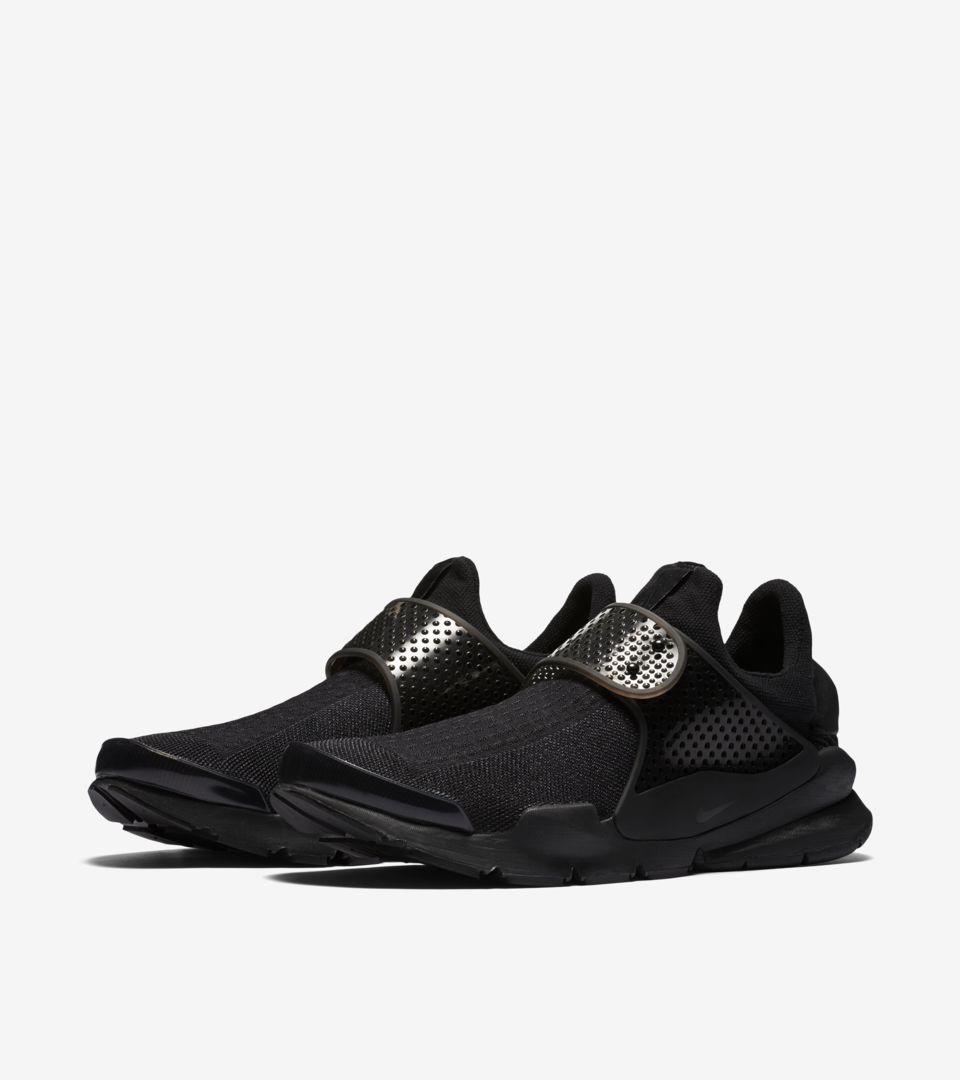 Nike Sock Dart 'Triple Black' Release