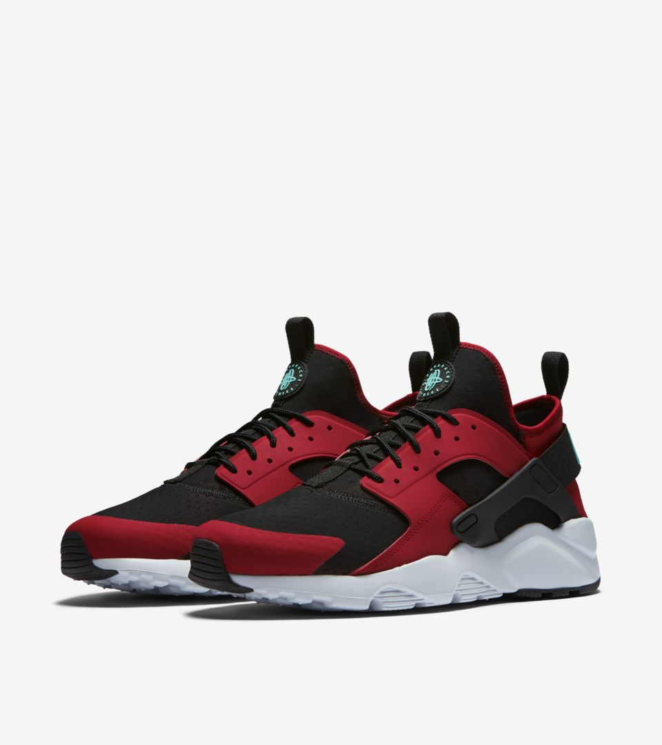 c91caa091d2a6 Nike Air Huarache Ultra  Black   Red . Nike⁠+ SNKRS