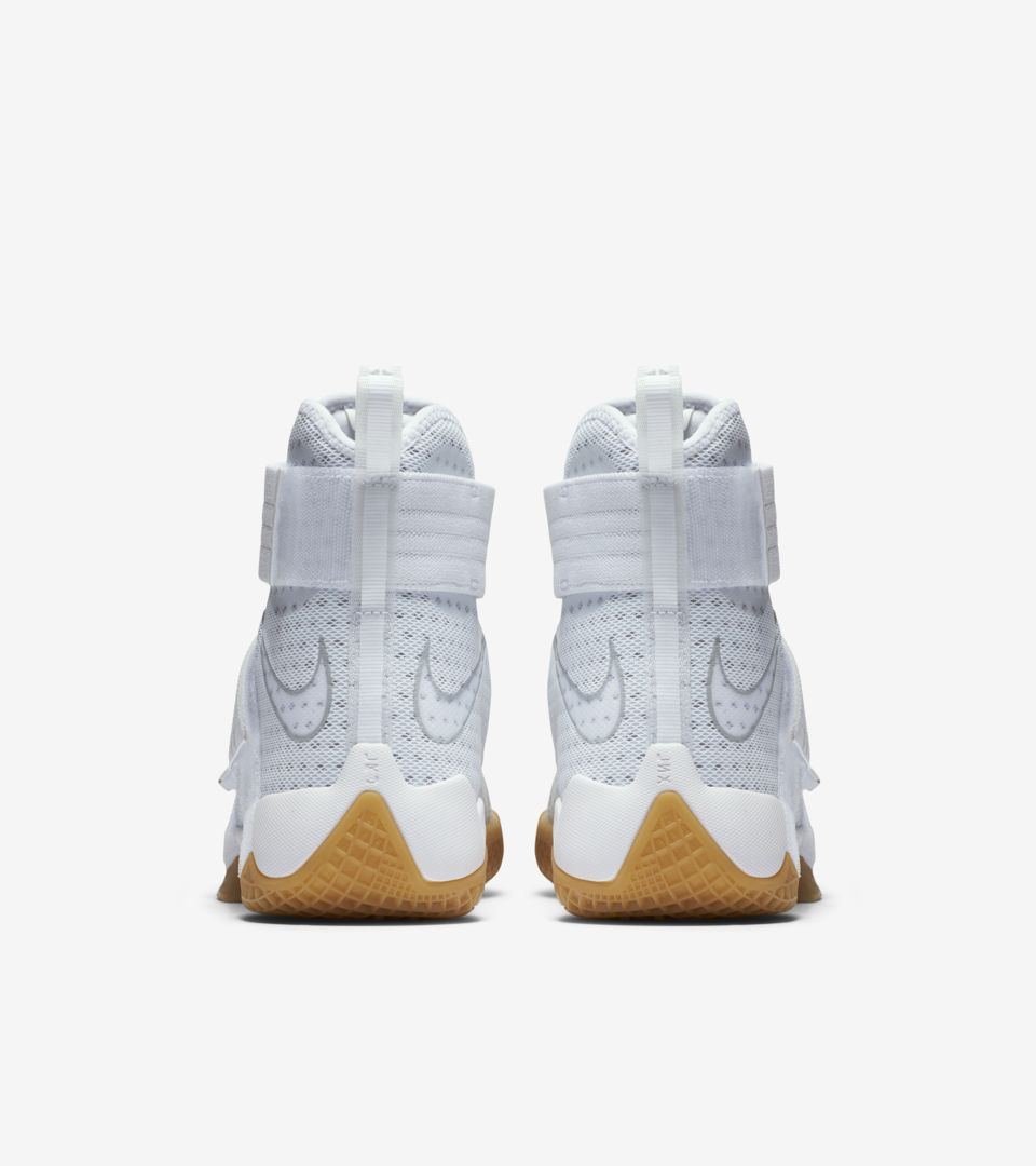 designer fashion 41c6a 78d26 ... ZOOM LEBRON SOLDIER 10 ...