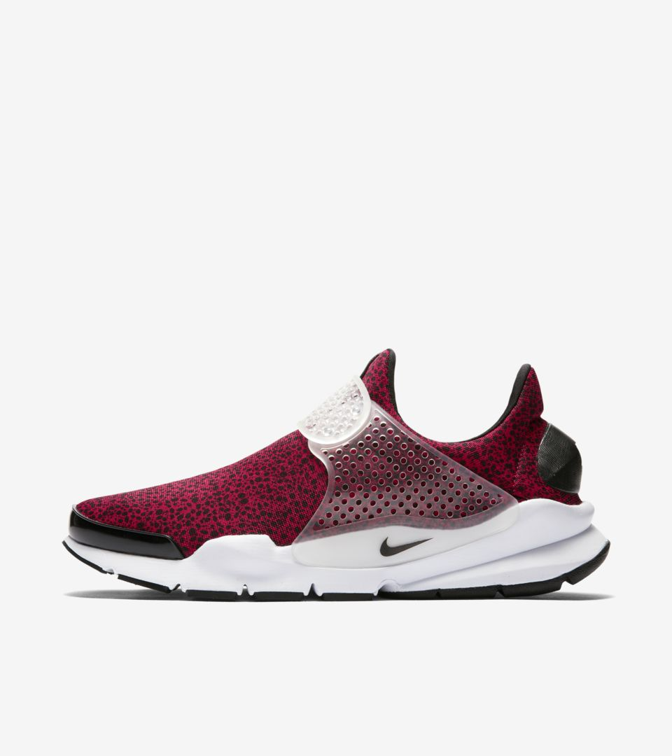 bac61d9d Nike Sock Dart 'Gym Red' Safari 2017. Nike⁠+ SNKRS