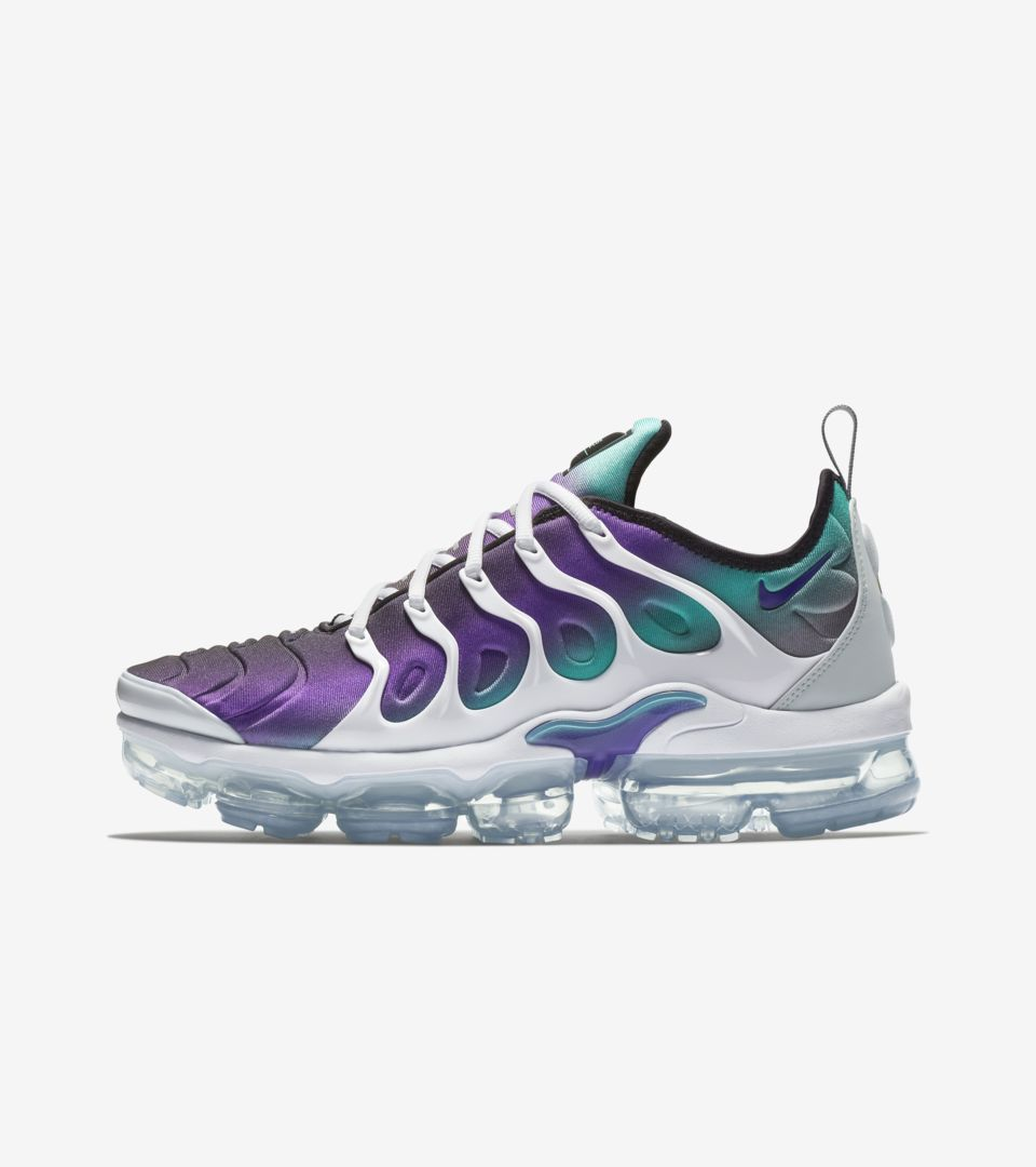 brand new a7ddb 65fbe Nike Air Vapormax Plus 'White and Fierce Purple' Release ...