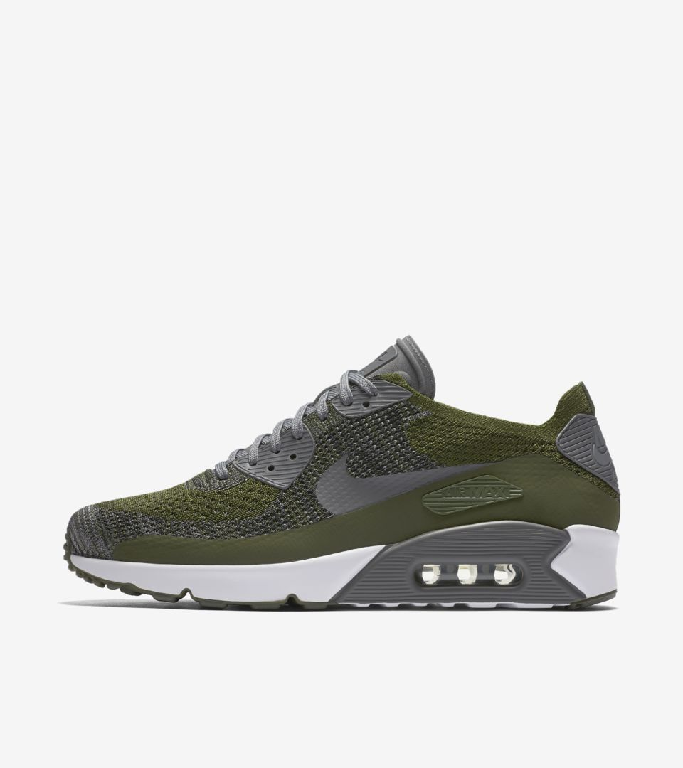 Indiferencia Antología Anormal  Nike Air Max 90 Ultra 2.0 Flyknit 'Rough Green & Dark Grey'. Nike SNKRS