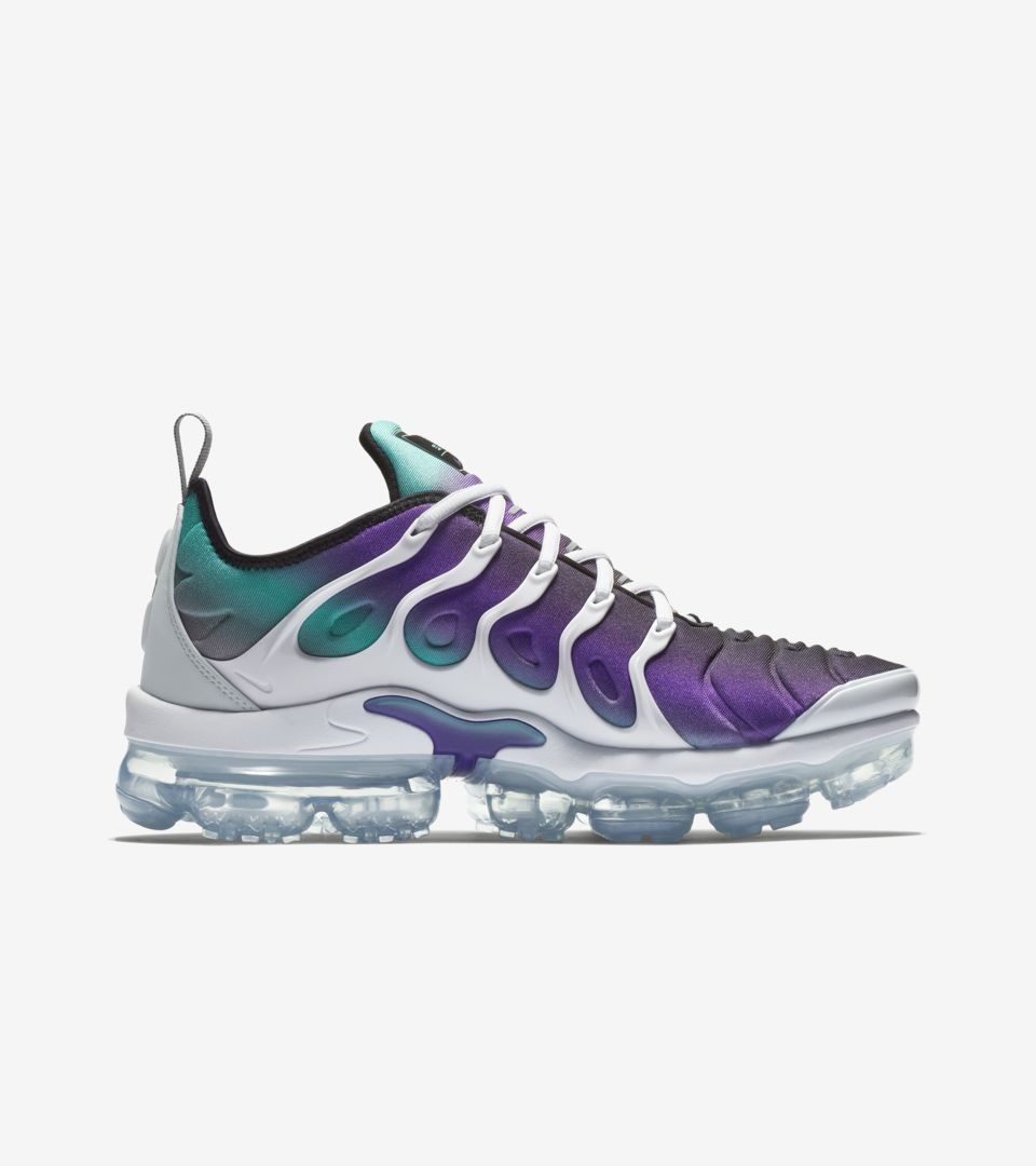 brand new 0bad0 94d51 Nike Air Vapormax Plus 'White and Fierce Purple' Release ...