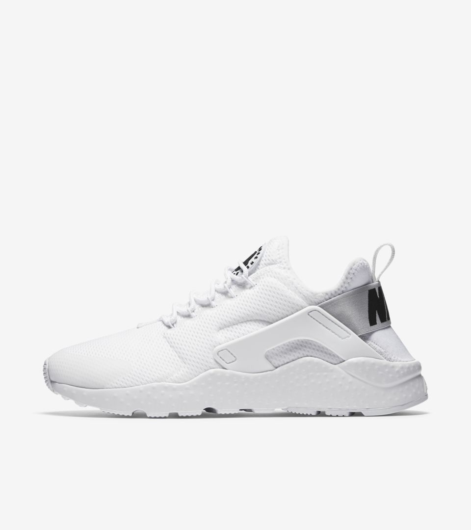 WMNS AIR HUARACHE ULTRA