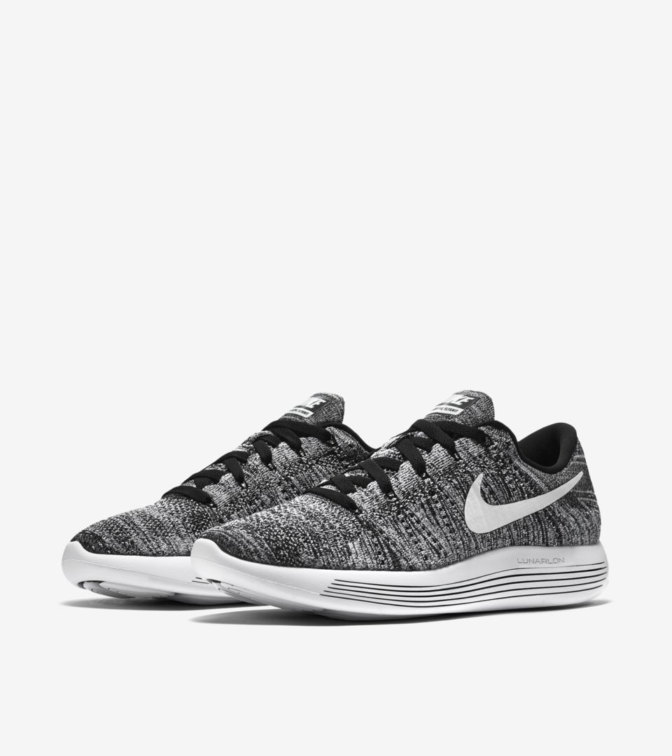 cheap for discount 1fa83 da115 Nike Lunarepic Low Flyknit 'Black & White'. Nike+ SNKRS