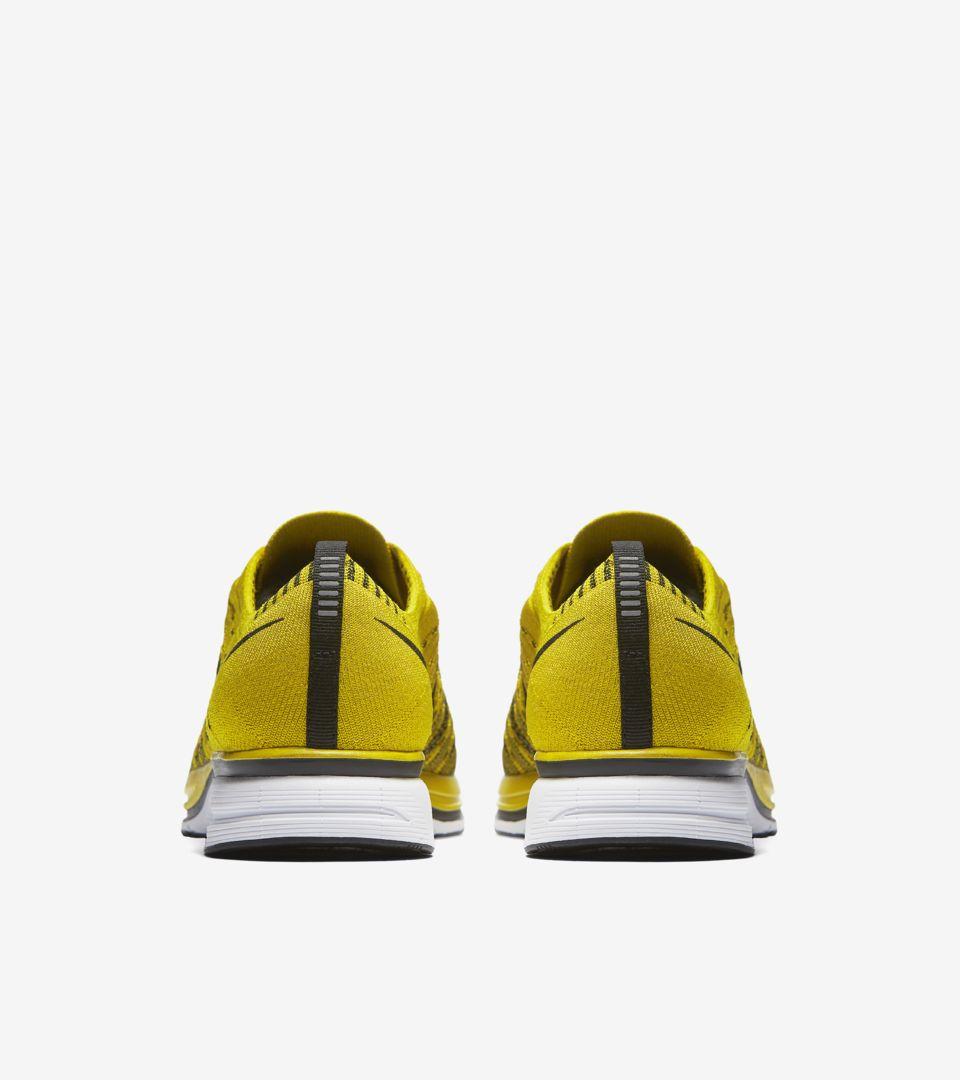 sale retailer 25492 470b5 Nike Flyknit Trainer  Citron . Nike+ SNKRS
