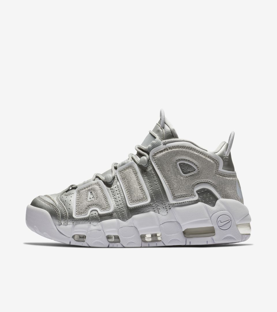 huge selection of fb345 97f3c WMNS AIR MORE UPTEMPO