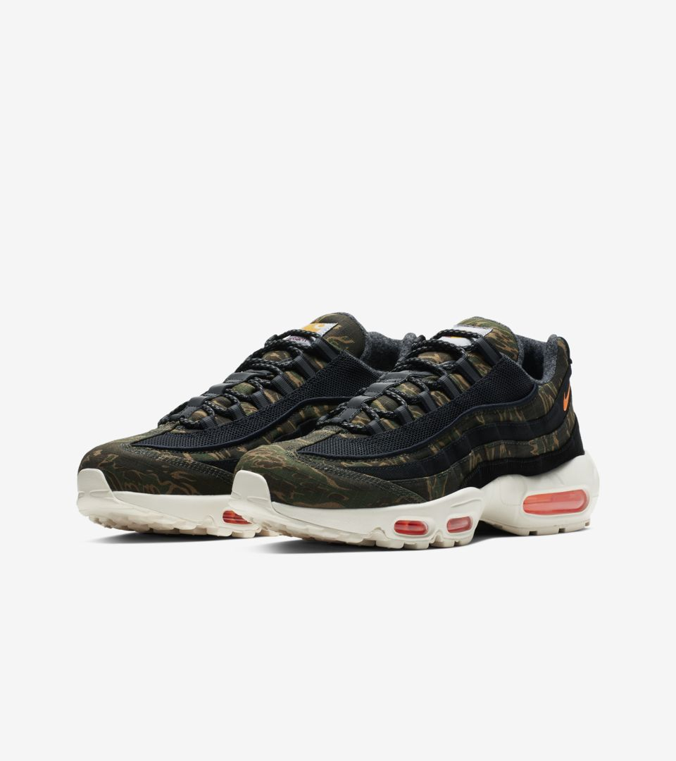 a36ebd66fa6c1 Nike Air Max 95 Carhartt WIP 'Black Sail & Total Orange' Release ...