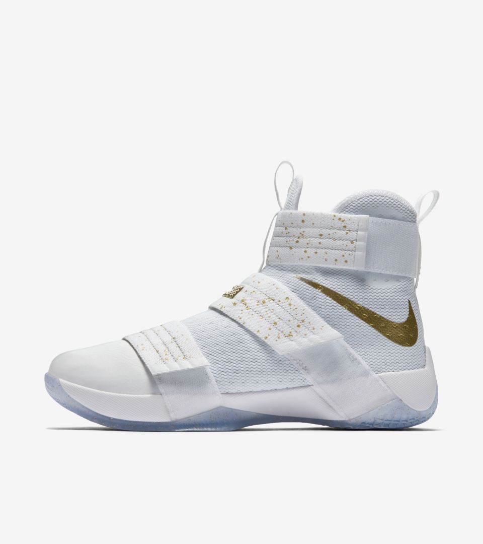 LEBRON ZOOM SOLDIER 10