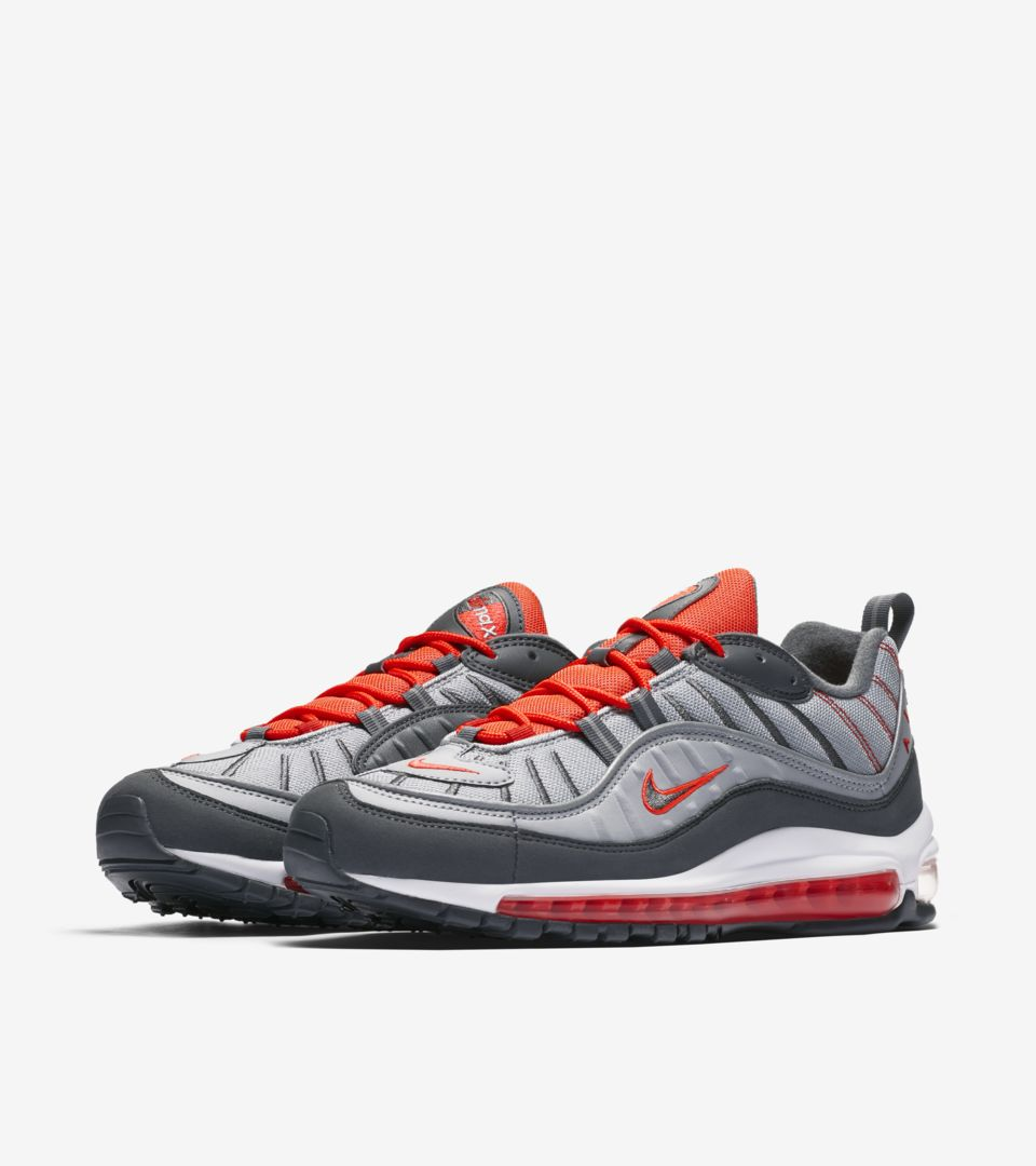 uk availability e6450 a72cd Date de sortie de la Nike Air Max 98 « Wolf Grey  amp  Total Crimson ...