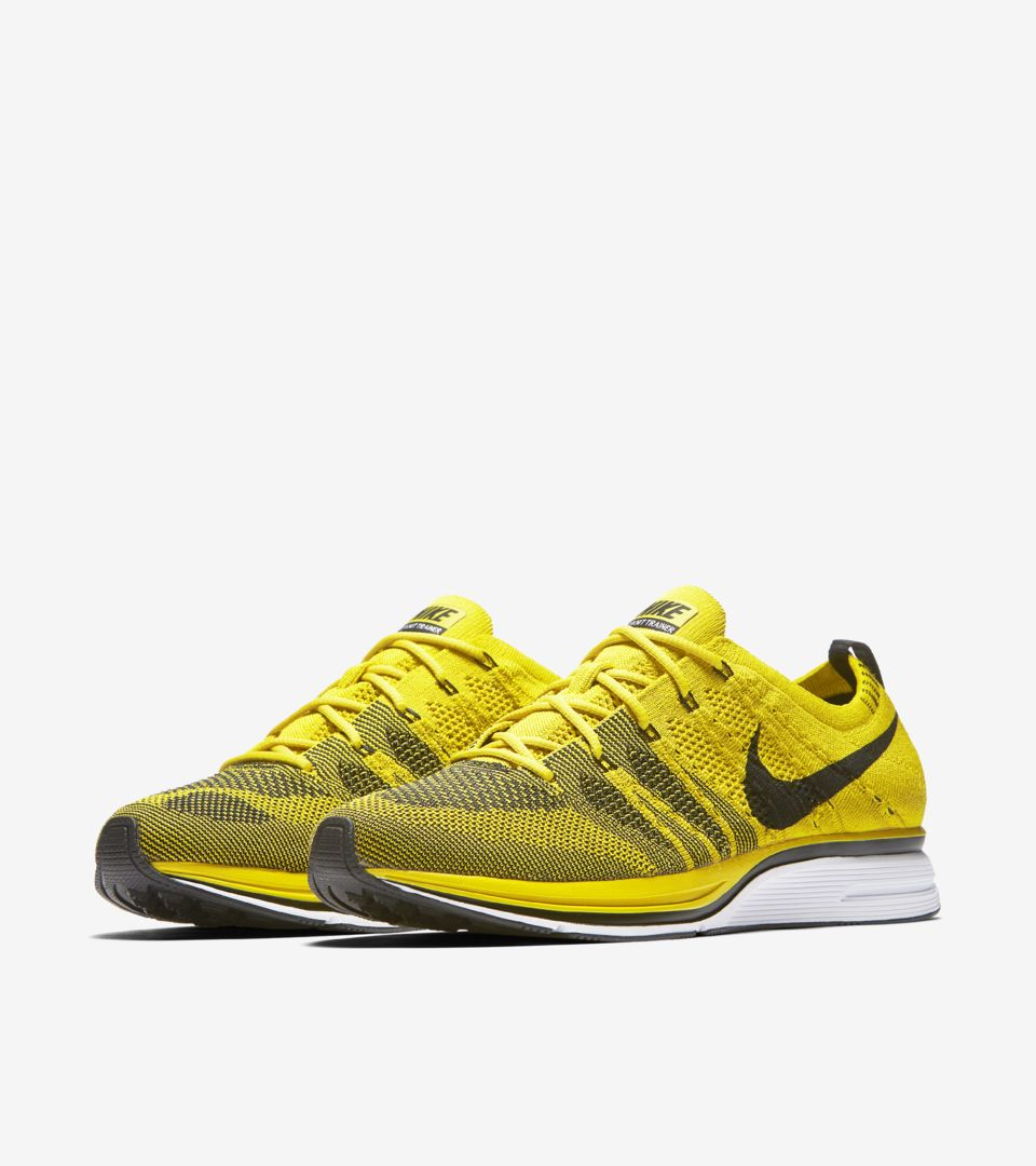 1b68ddef3d7c Nike Flyknit Trainer  Citron . Nike+ SNKRS