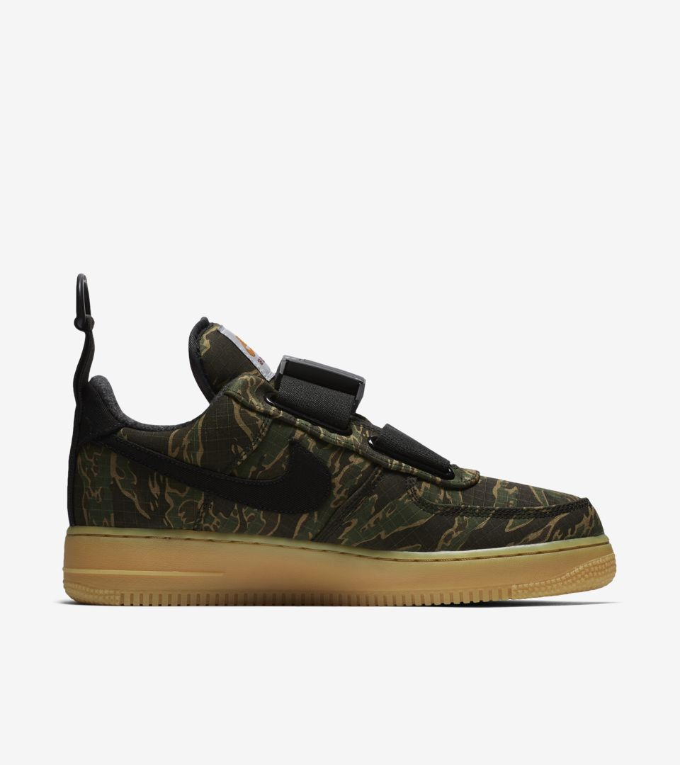 ... Air Force 1 Utility Low Premium Carhartt WIP  Camo Green   Gum Light  Brown ... ce8fce8a4