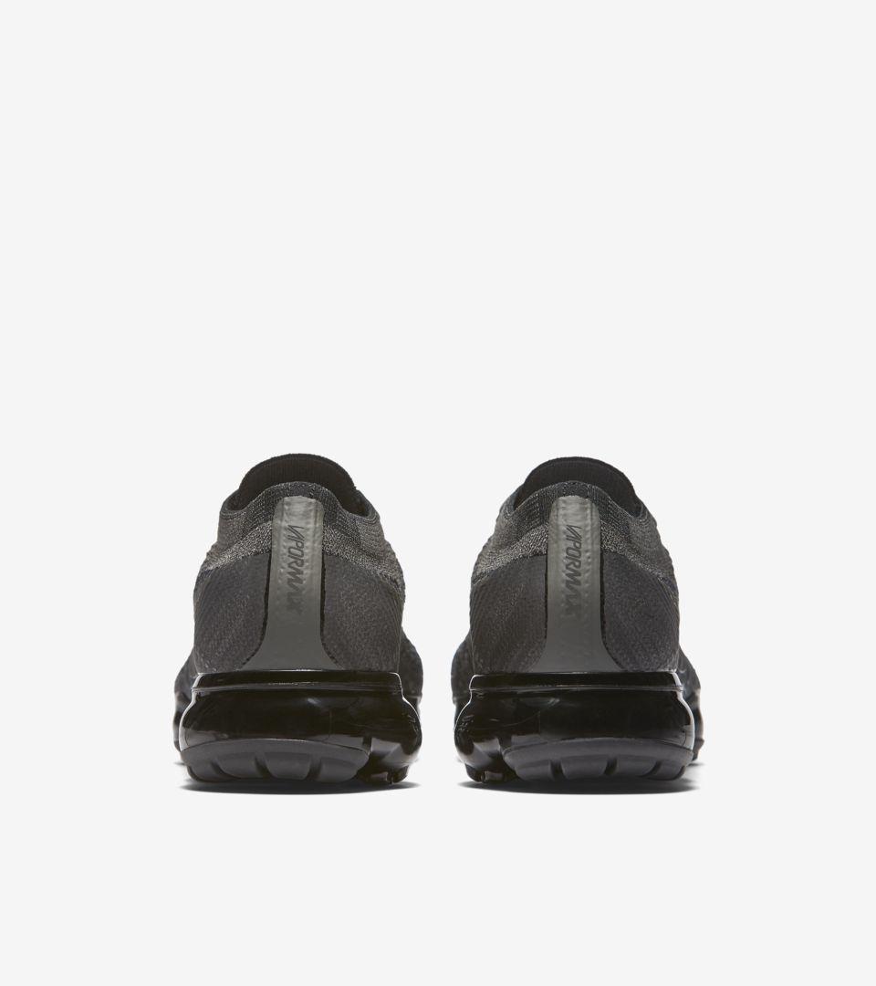 detailed look 23c83 5909a Nike Women's Air Vapormax 'Midnight Fog & Black' Release ...