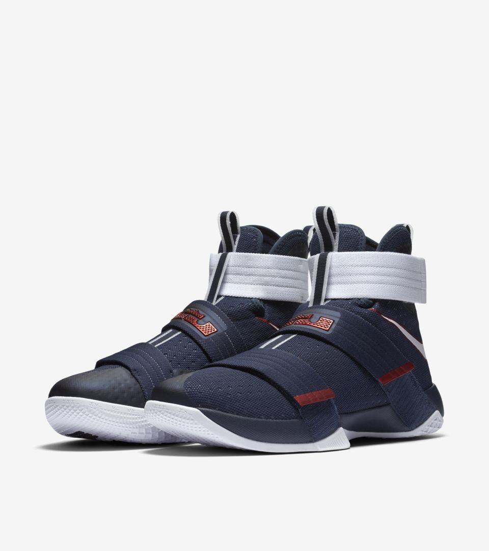 ZOOM LEBRON SOLDIER 10