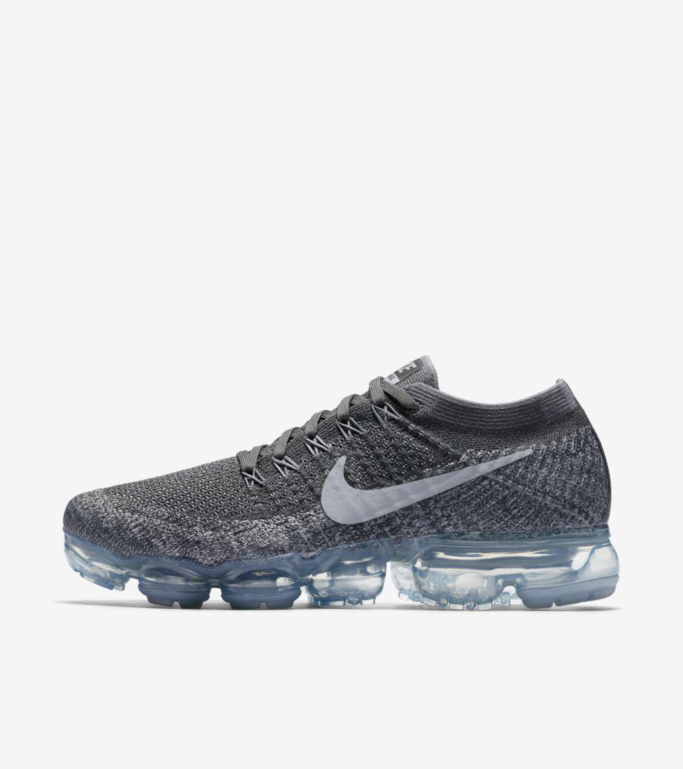 33de9da54bb4f Women s Nike Vapormax Flyknit  Asphalt . Nike+ SNKRS