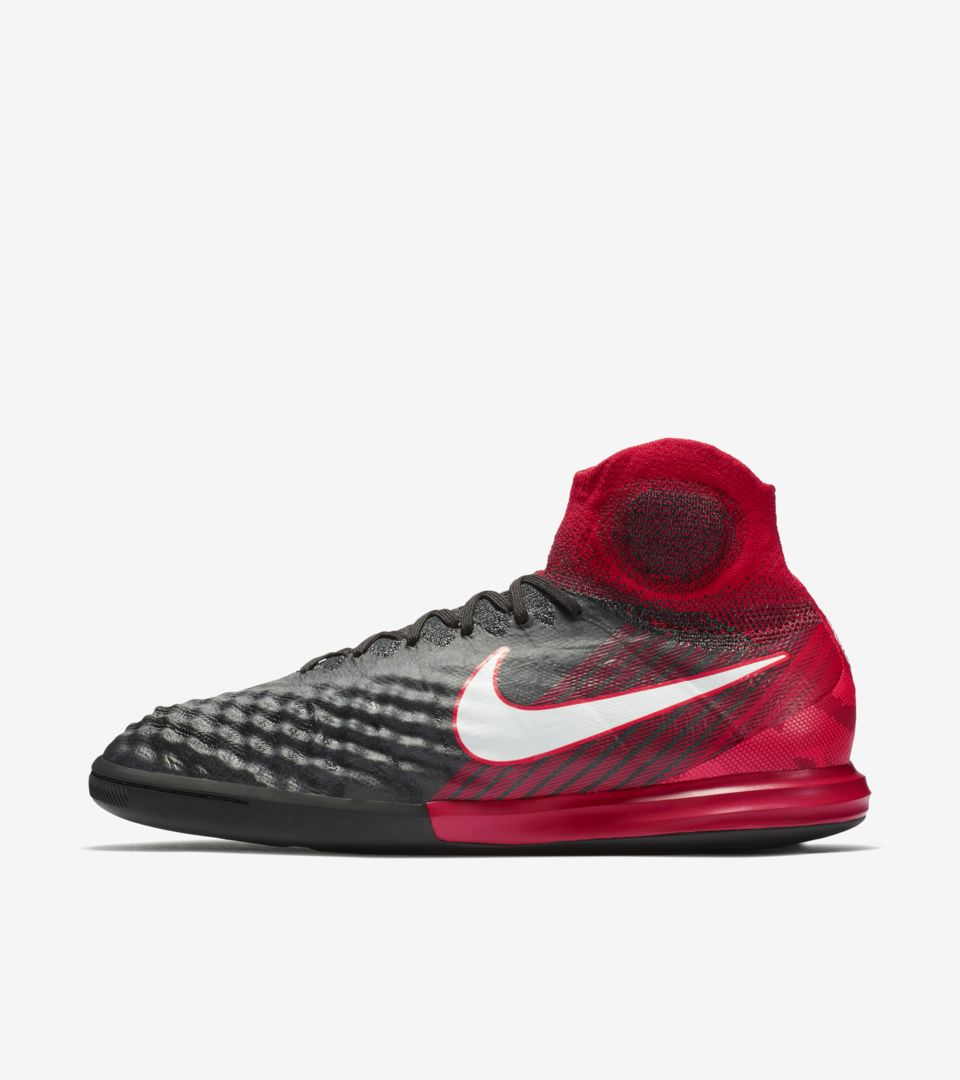 684602608 Nike Play Fire MagistaX Proximo. Nike.com