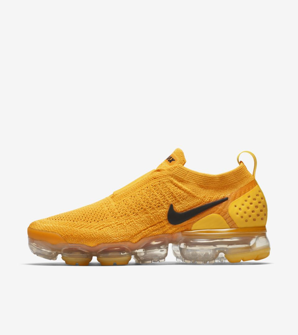 21a9500435 Nike Women's Air Vapormax Moc 2 'University Gold & Black' Release ...