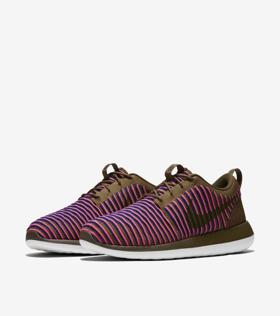 WMNS ROSHE TWO FLYKNIT