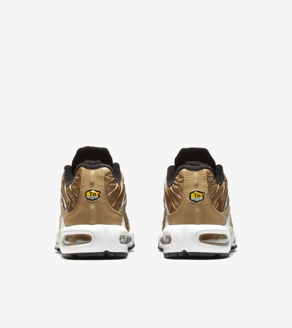 Nike Air Max 97 OG QS 'Metallic Gold' Release Date. Nike SNKRS