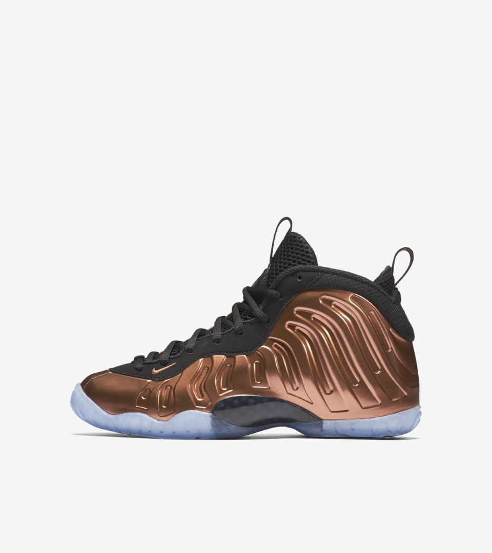 5aeb1ae02cbed0 BIG KIDS  LITTLE POSITE ONE. METALLIC COPPER. Nike Air Foamposite ...