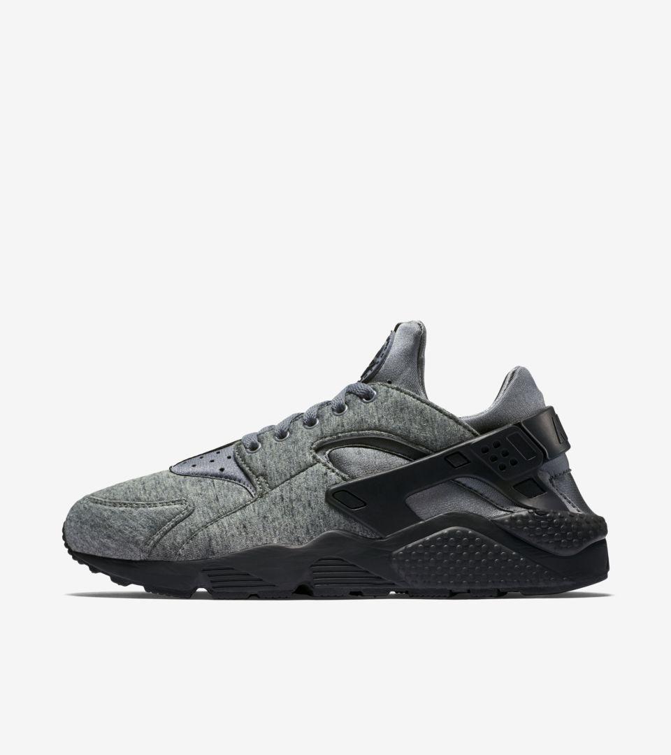 Umeki Mareo pequeño  Nike Air Huarache 'Tech Fleece' Black & Grey. Nike SNKRS