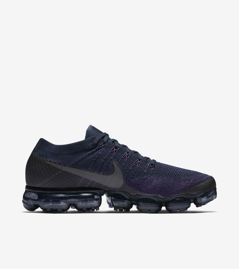 0007ae5678a20 Shop all Nike Soccer. AIR VAPORMAX AIR VAPORMAX AIR VAPORMAX ...