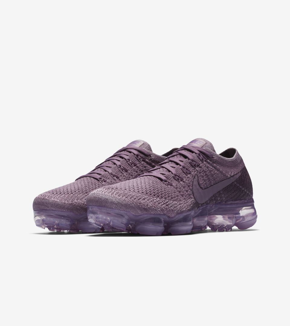 055b9f8059da2 Women s Nike Air VaporMax Flyknit Day to Night  Violet Dust . Nike⁠+ ...