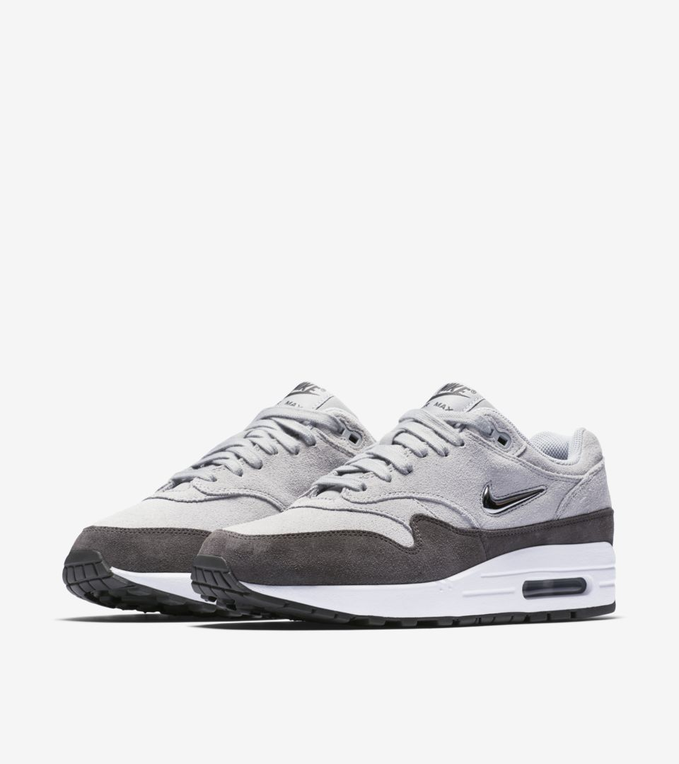 the best attitude 40ca3 d2025 ... WMNS AIR MAX 1 PREMIUM