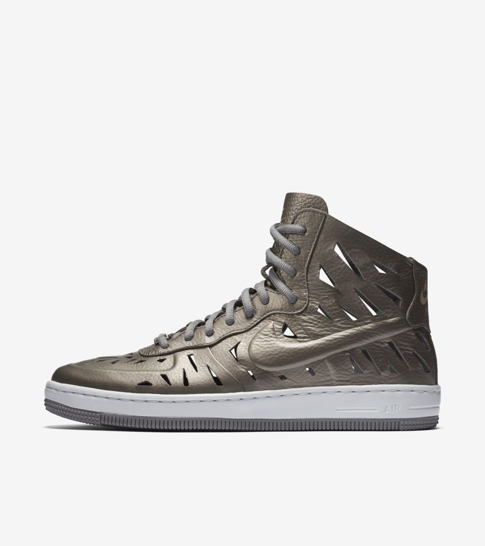 WMNS AIR FORCE 1 ULTRA MID JOLI