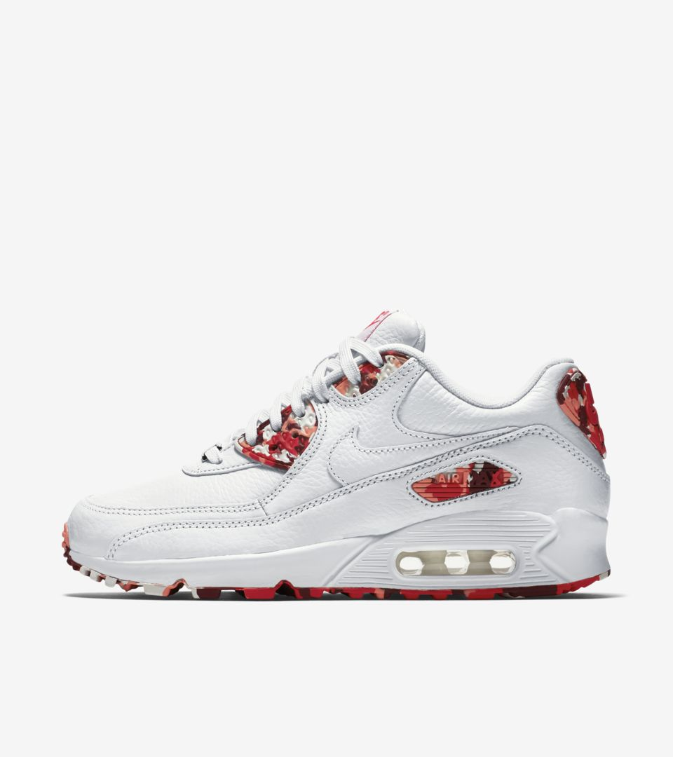 new style ce1a5 7d8ac Women's Nike Air Max 90 'London'. Nike⁠+ SNKRS
