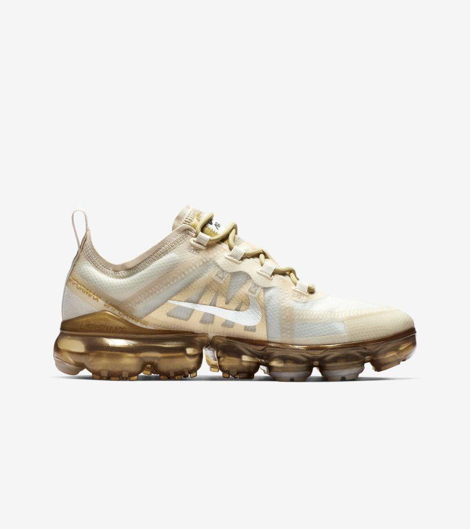 sports shoes 65bd7 43604 Women's Nike Air Vapormax 2019 'White & Metallic Gold ...