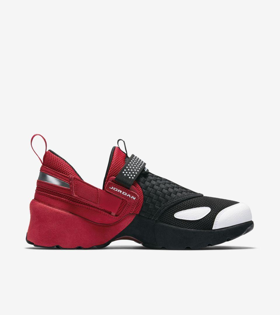 dc034b8d435c Jordan Trunner LX OG  Black   Gym Red . Nike+ SNKRS