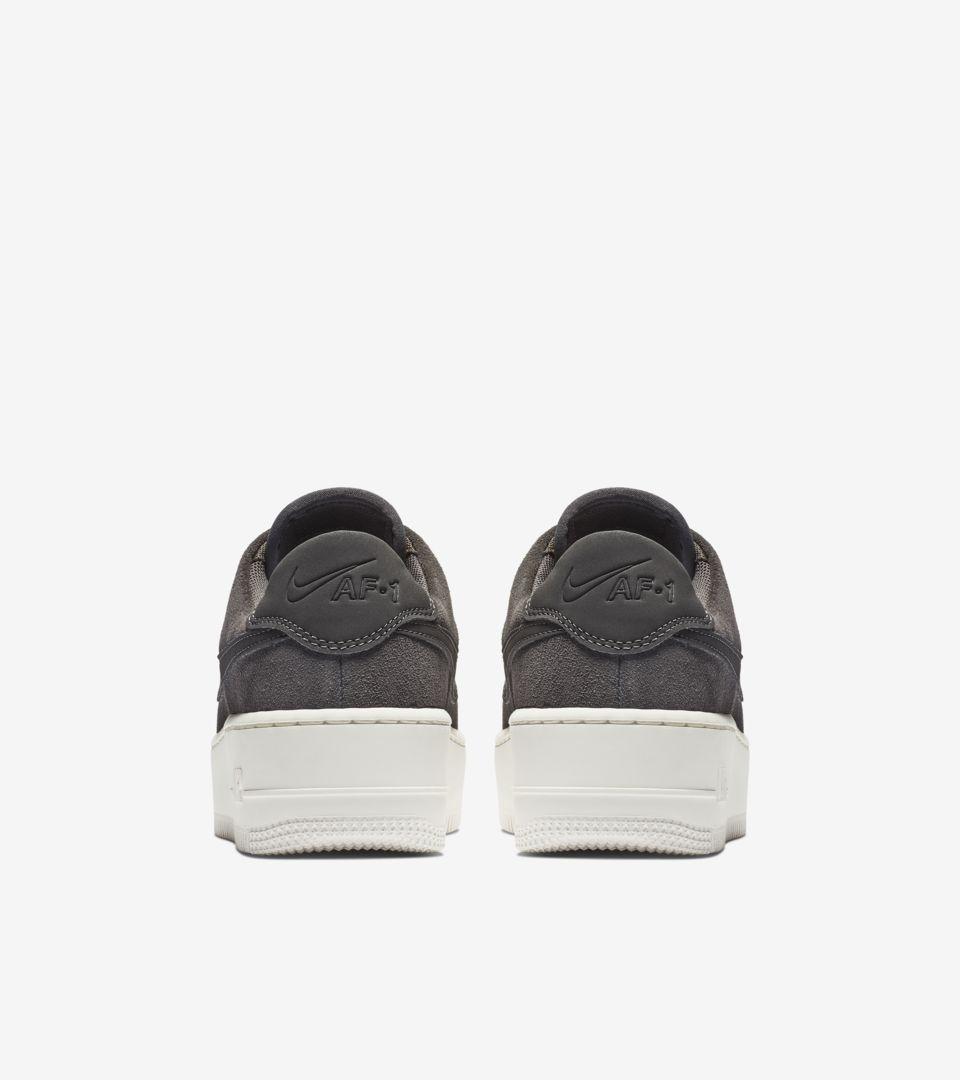 Nike Sportswear AIR FORCE 1 SAGE Sneakers laag night