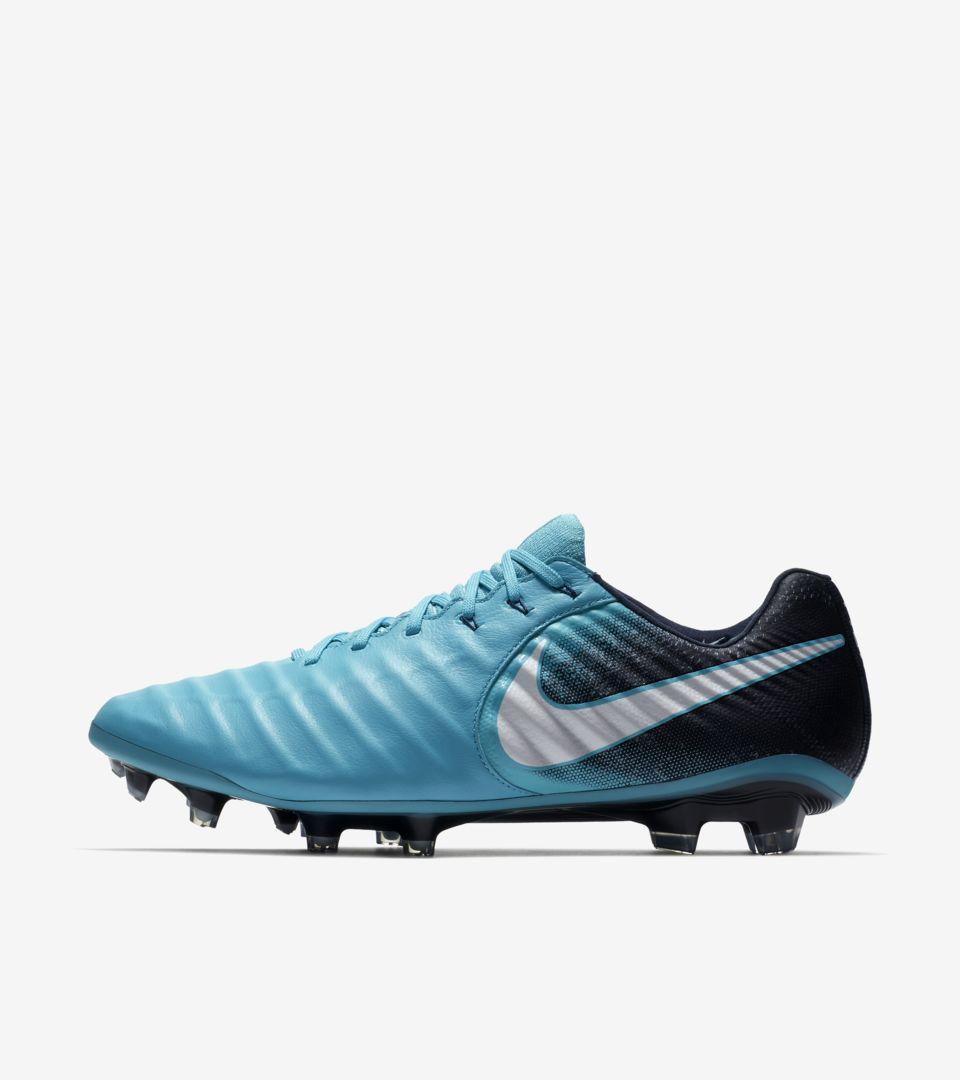 f5544a0f26 Nike Tiempo Legend