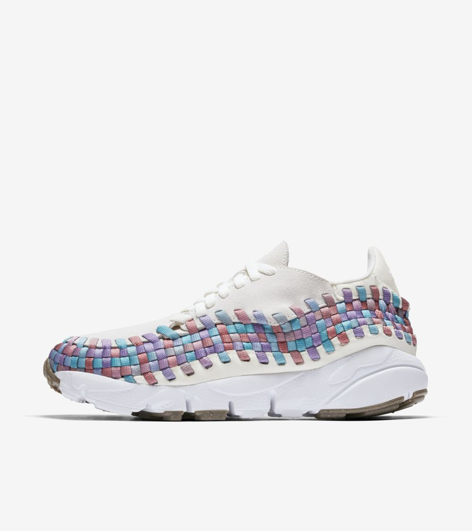 480c825718a2 Women s Nike Footscape Woven  Sail  amp  Orchid Mist . Nike⁠+ Launch GB