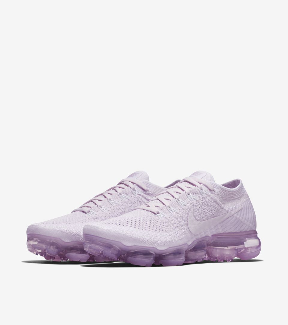 buy popular 0ef87 7a5ef Women's Nike Air VaporMax Flyknit Day to Night 'Light Violet ...