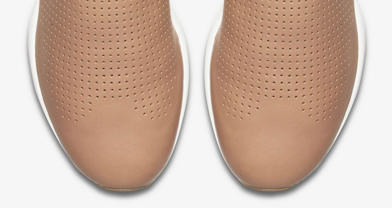 Women's Nike Zoom Modairna 'Vachetta Tan'. Nike SNKRS