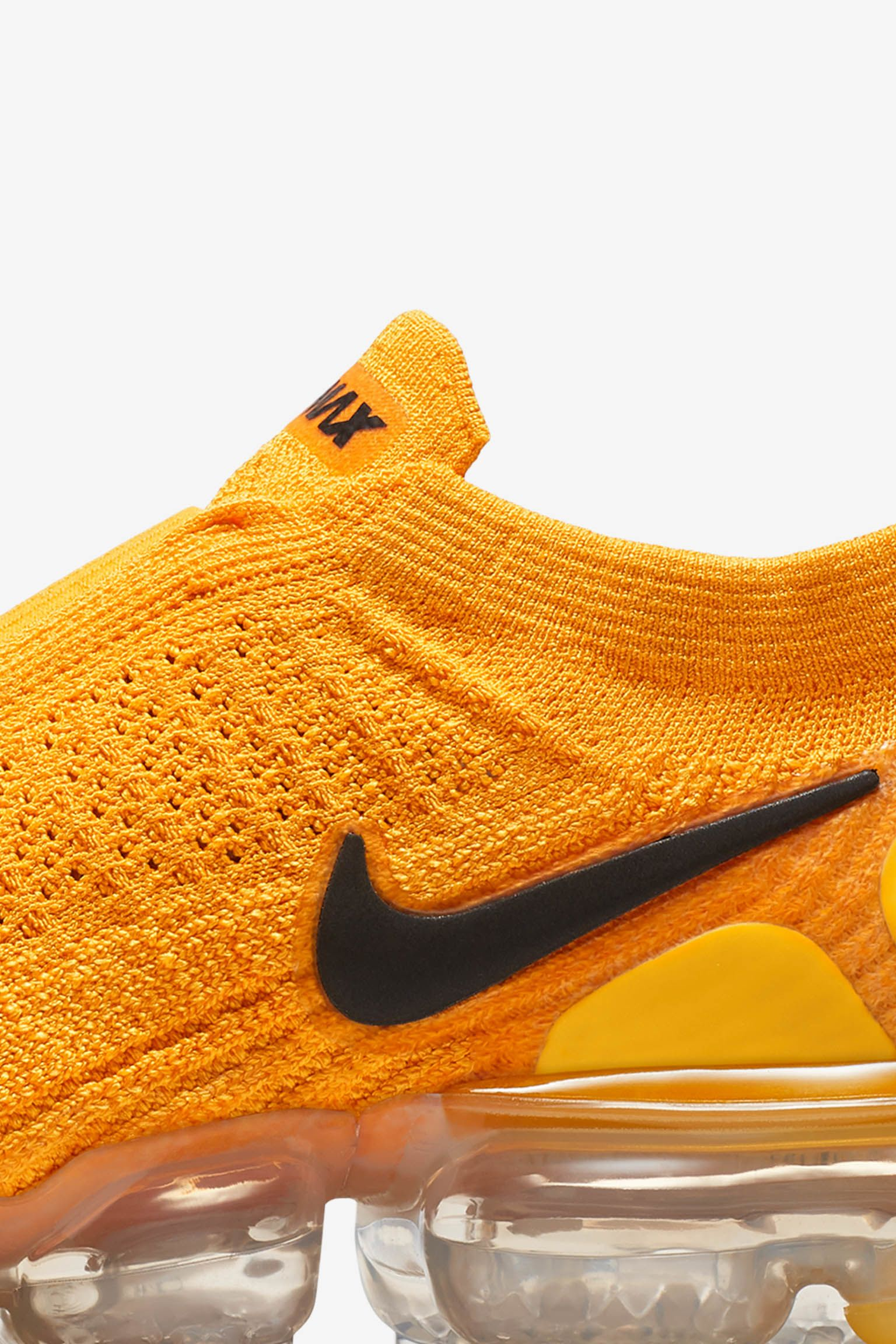 3daaa6e323 Release Gold Vapormax Moc Women's amp; Air 'university Nike Black' 2 zwxYT
