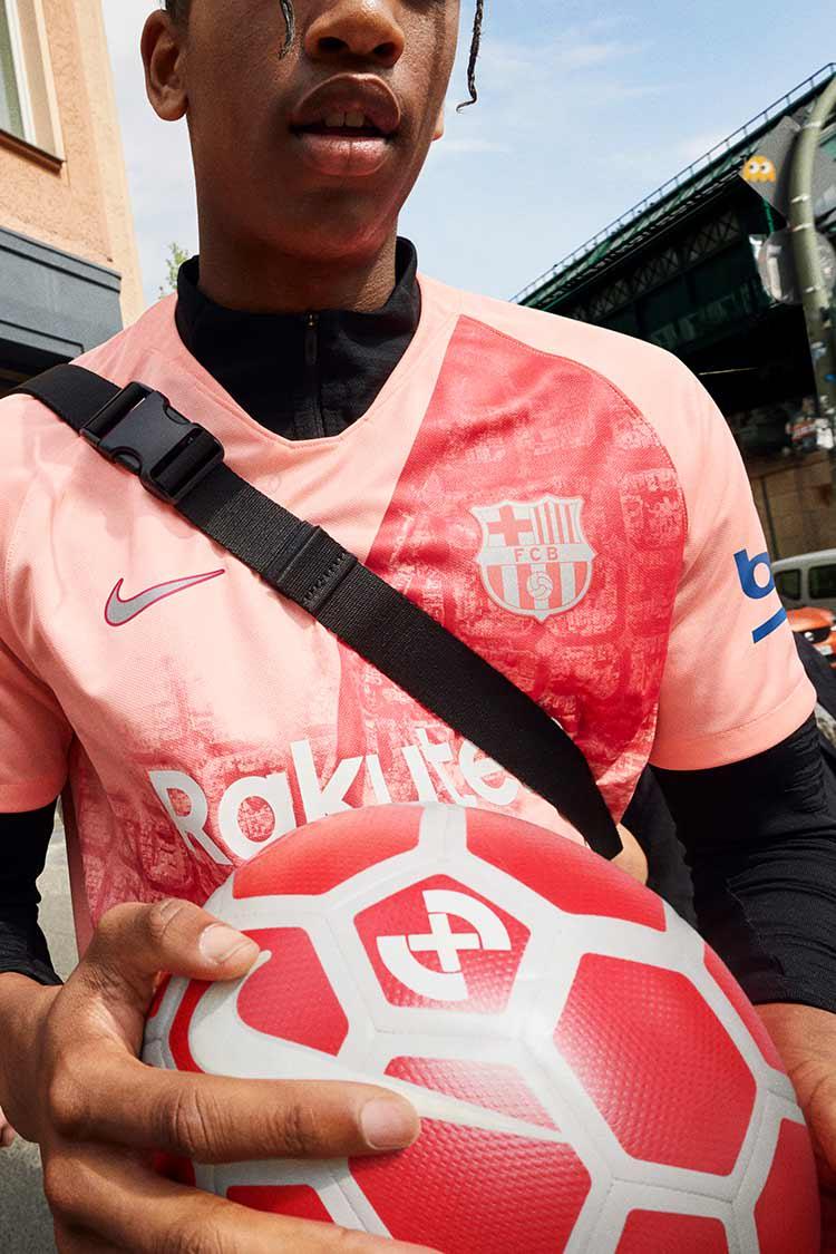 new product 03d58 c5750 2018/2019 FC Barcelona Stadium Third Kit. Nike.com HU