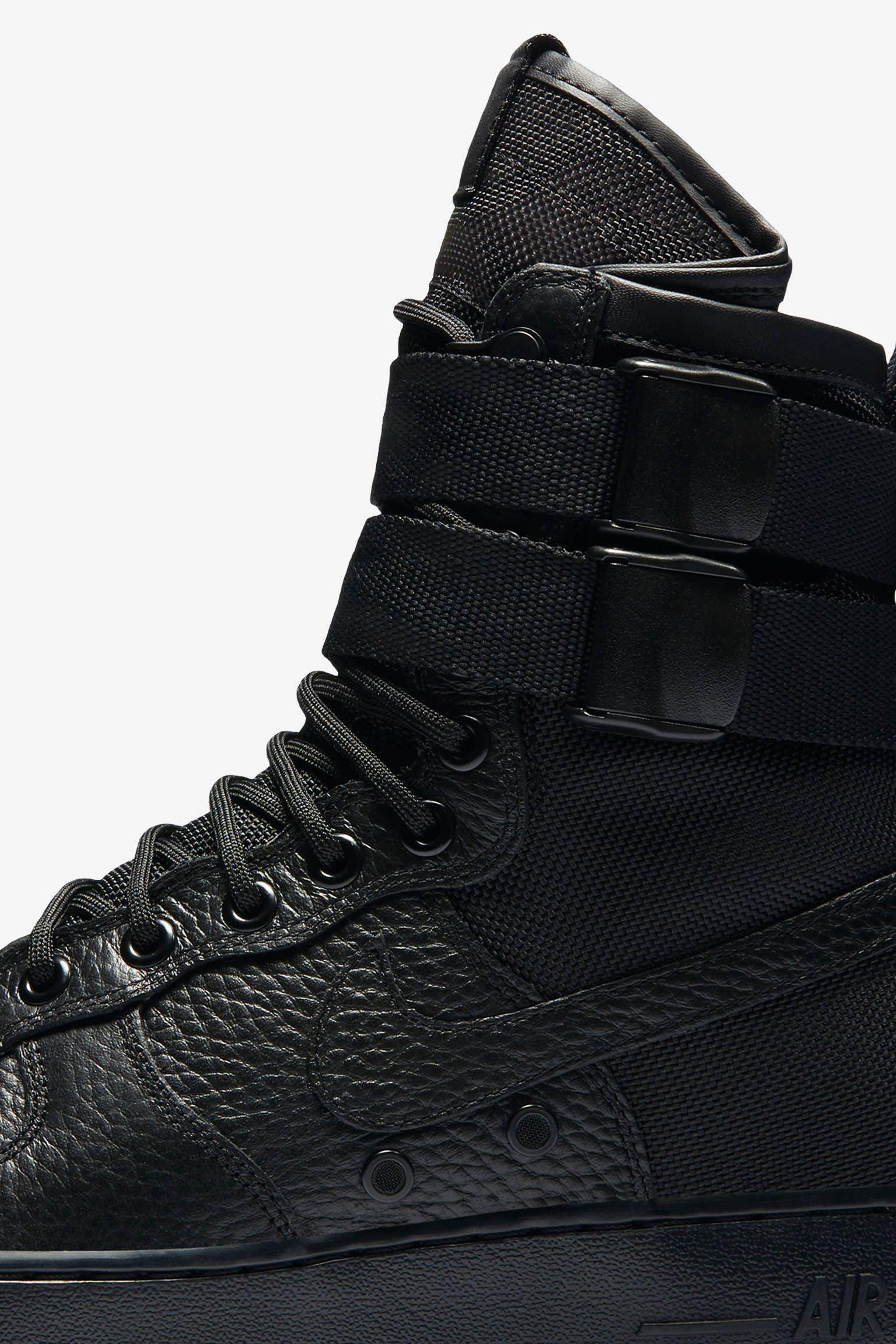 Nike SF AF1 'Black & Gum'