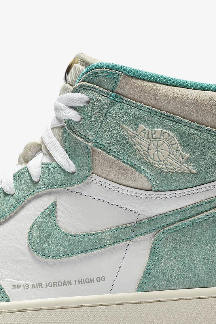 Air Jordan 1 'Turbo Green & White & Light Smoke Grey' Release Date