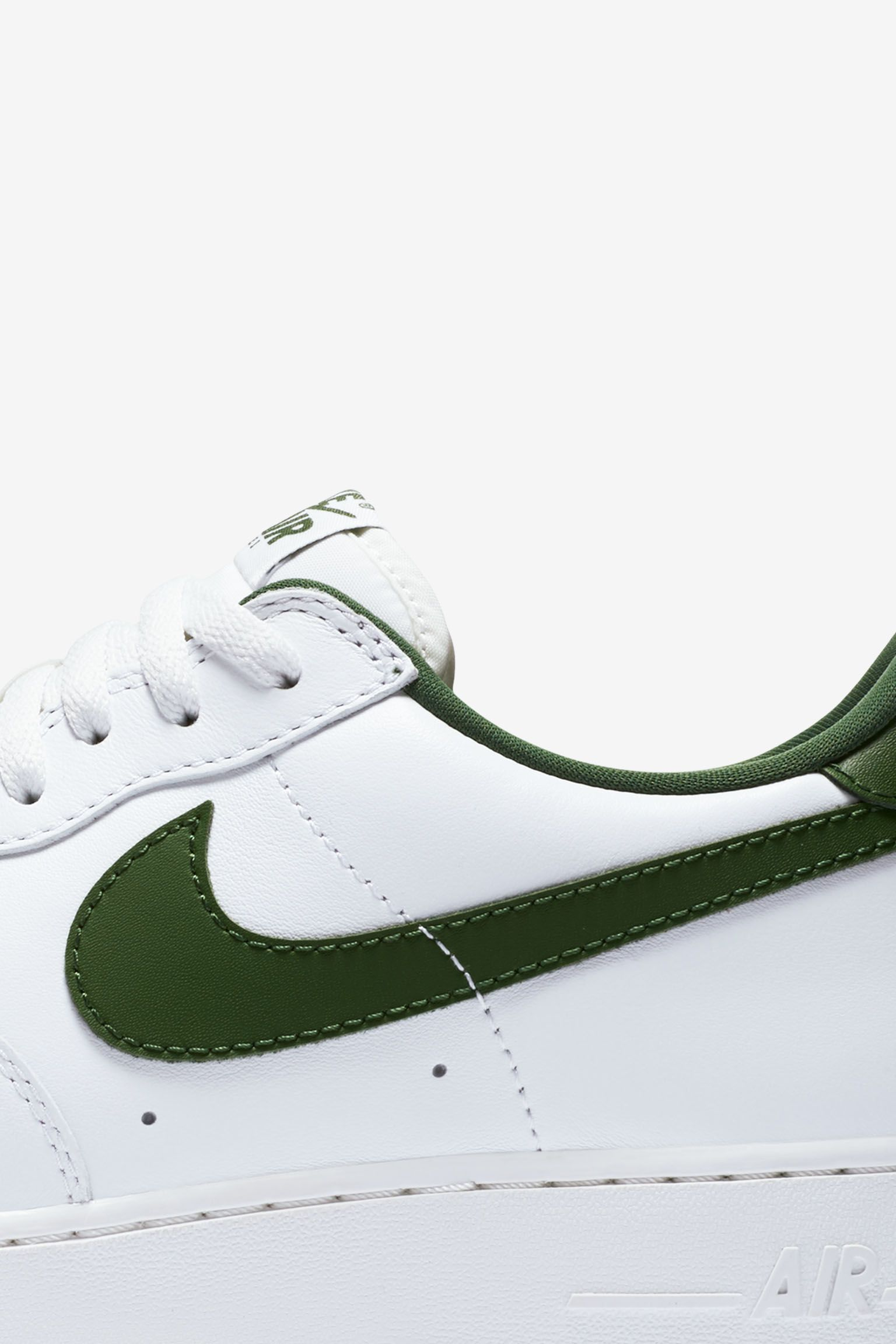 Nike Air Force 1 Low Retro 'White & Forest Green' Release Date