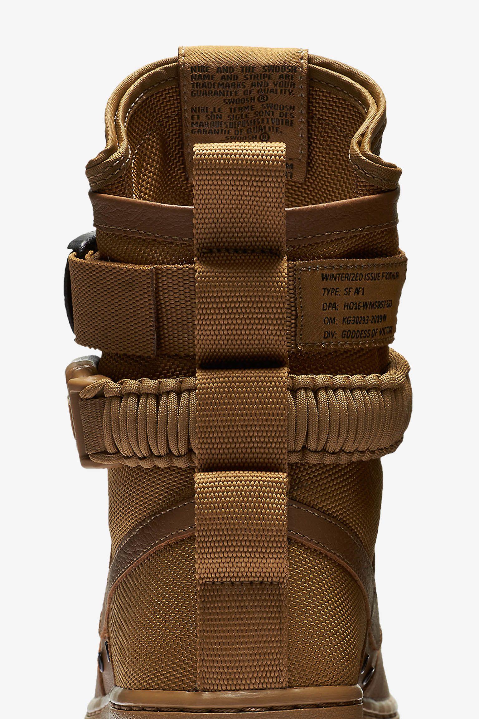 Nike Special Field Air Force 1 « Golden Beige » pour Femme. Date de sortie