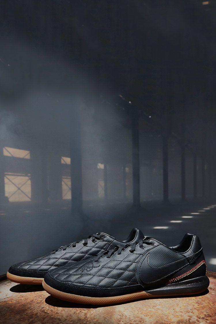ナイキ ティエンポX 10R Paris