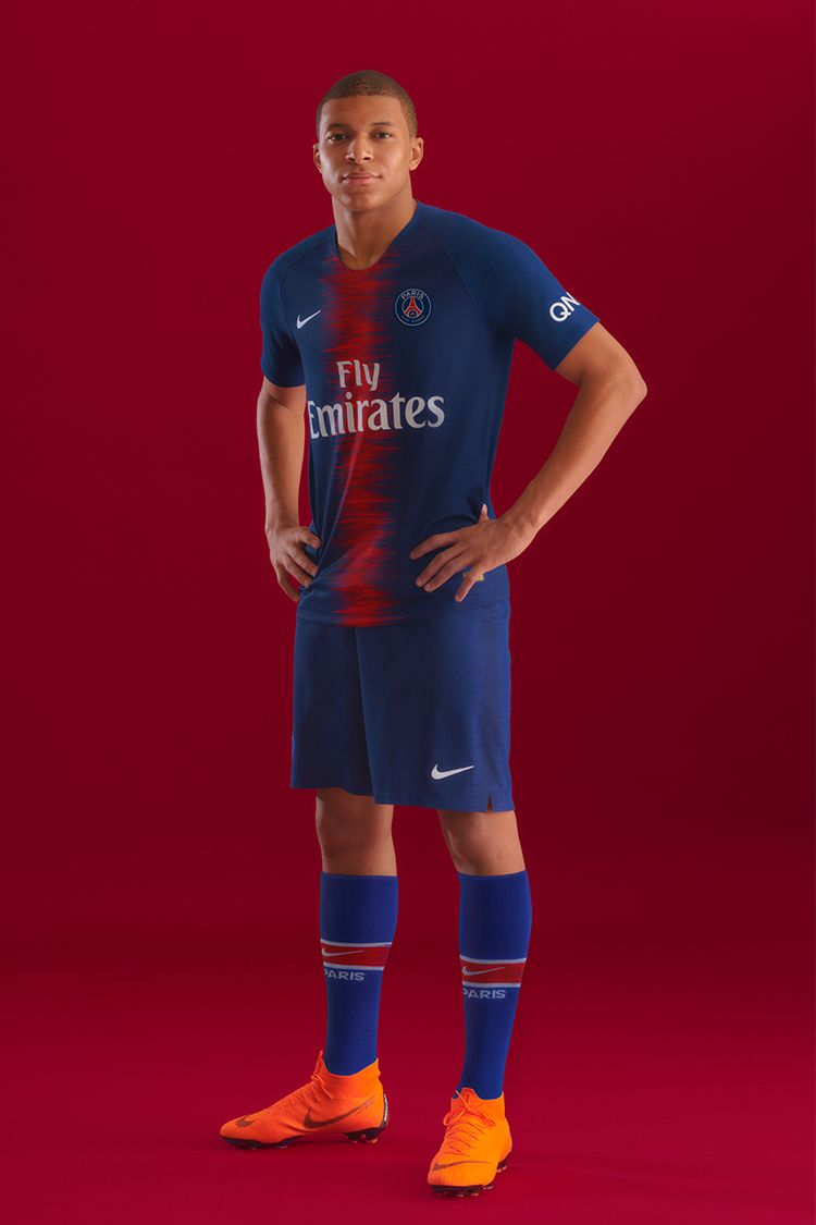 PSG 2018/19 HOME KIT