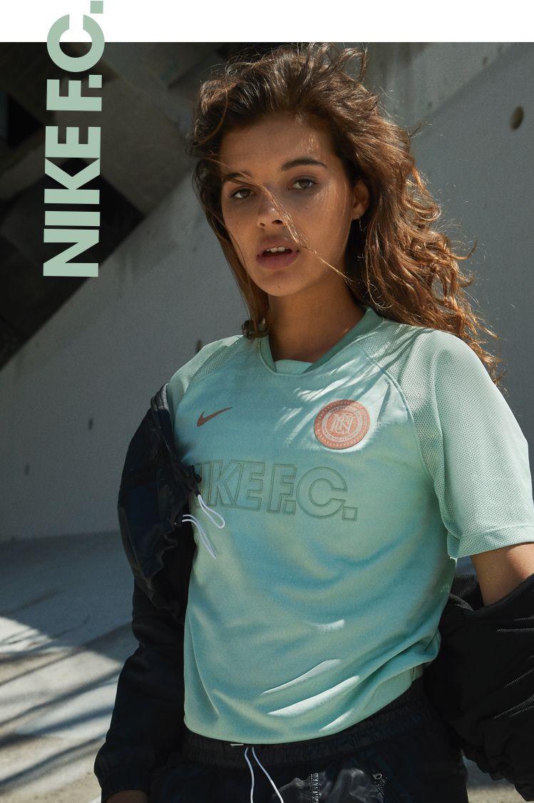 Nike F.C. Street Heat