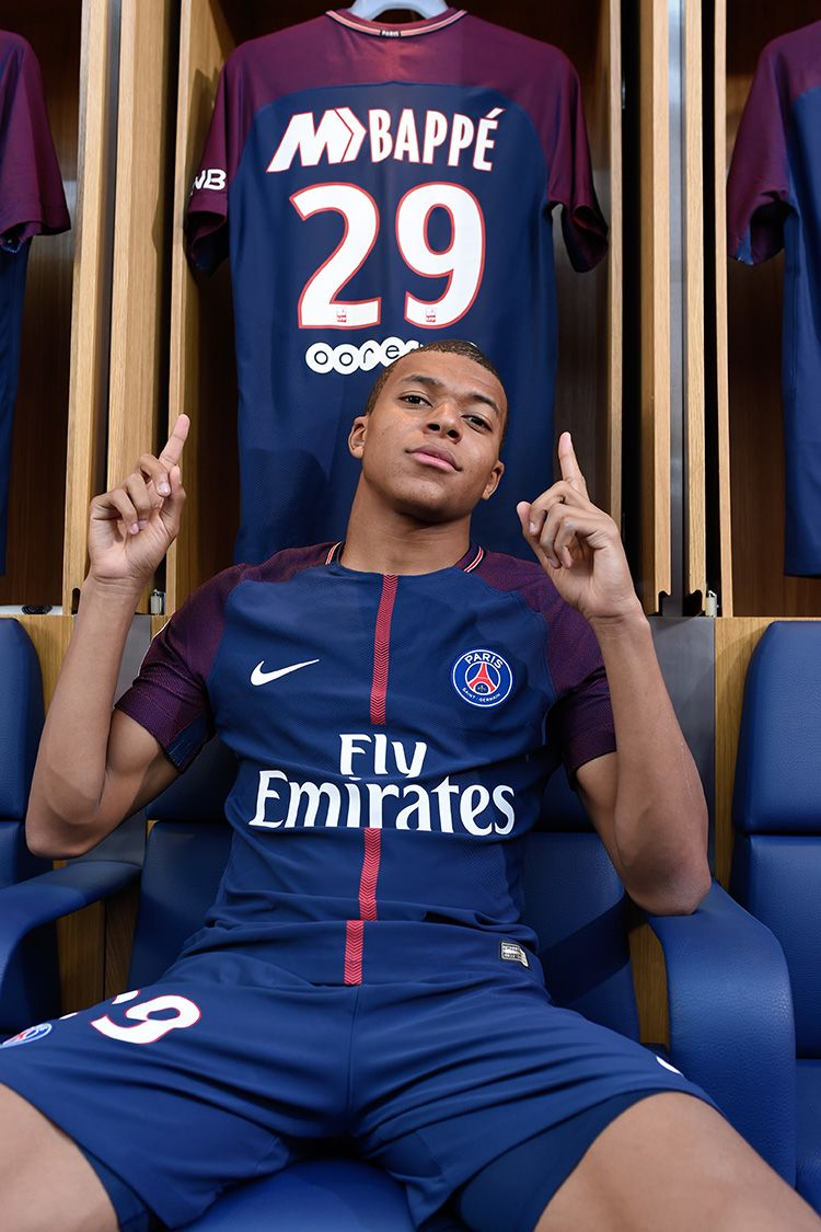 2017-2018 Paris Saint-Germain Limited Edition Stadium Home Kit