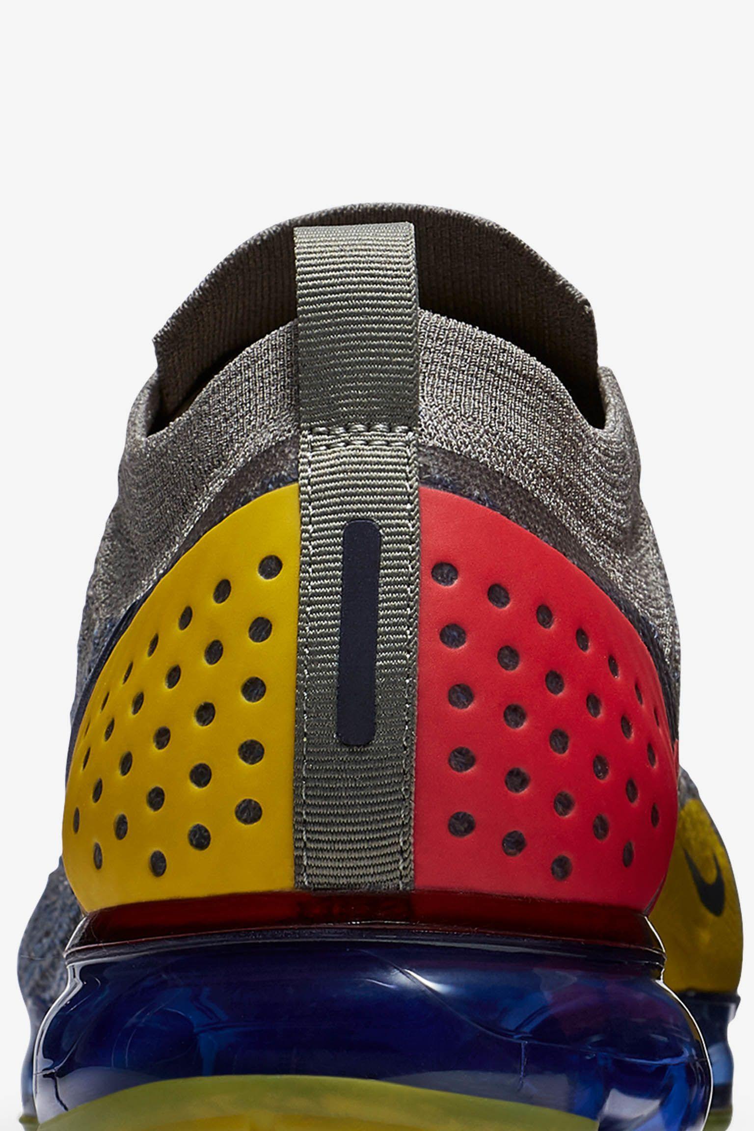 Nike Air Vapormax Moc 2 'Dark Stucco & Midnight Navy' 发布日期