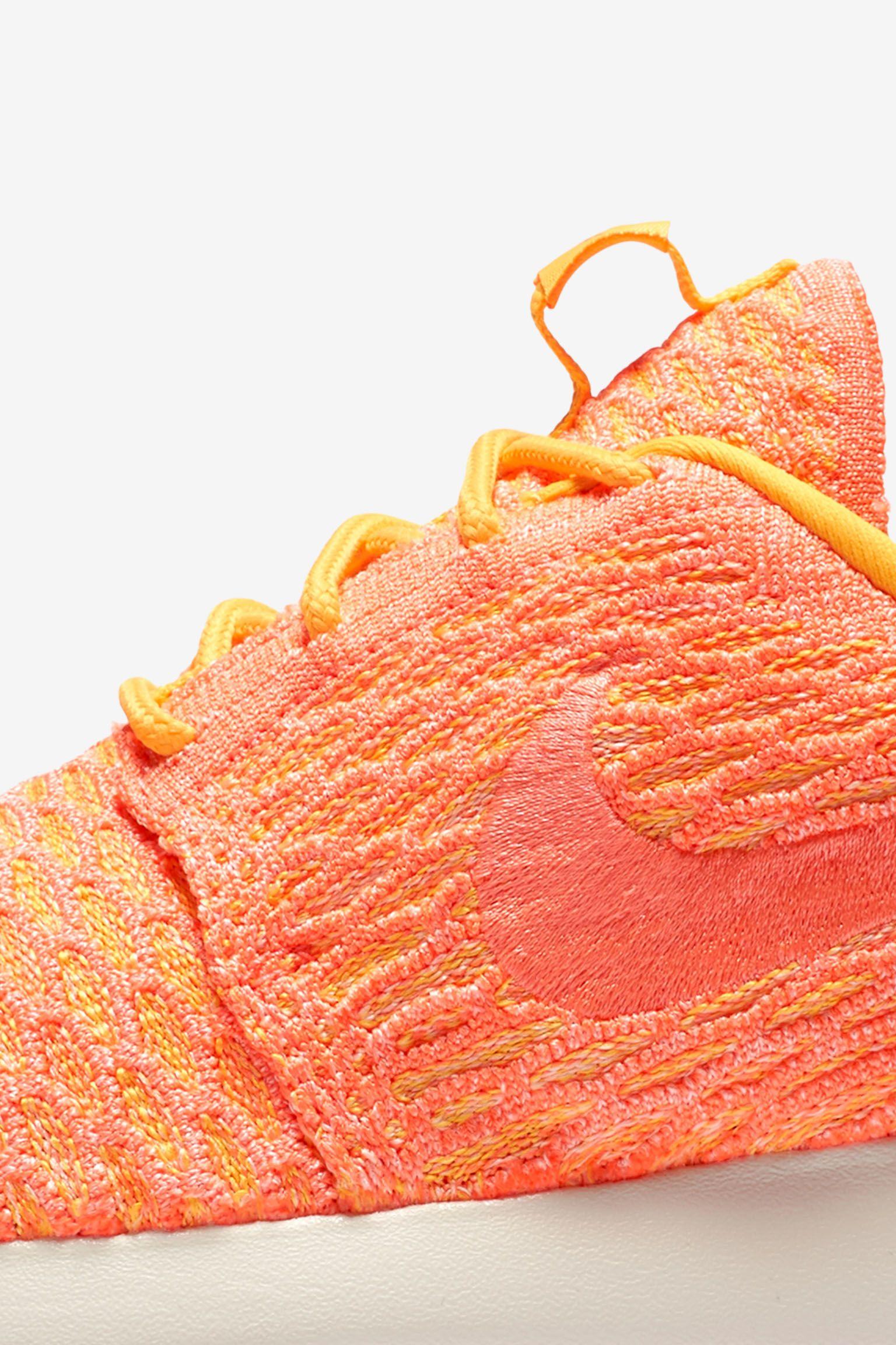 Women's Nike Roshe One Flyknit 'Laser Orange'